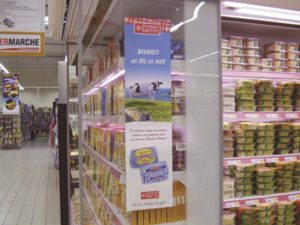 Kakemono vitrophanie imprime pour vitrine libre service et refrigeree